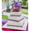 Pastel boda cuadrado lila flores naturales